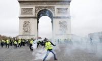 """Lebih dari 1.000 orang dari gerakan """"Rompi kuning"""" terus melakukan demonstrasi di Perancis"""