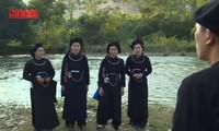 Nyanyian Lang oi dan adat-istiadat memberikan selendang kepercayaan dari warga etnis minoritas Tay dan Nung