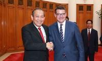 Deputi Harian PM Truong Hoa Binh menerima Ketua Parlemen Negara Bagian Hessen, Republik Federasi Jerman, Boris Rhein