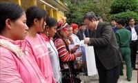 Pokja MN Vietnam mengunjungi dan mengucapkan selamat sehubungan dengan Hari Raya Tet kepada warga etnis-etnis minoritas Provinsi Lai Chau