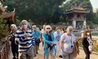 Cabang pariwisata Kota Ha Noi berupaya mengatasi kesulitan menghadapi oleh wabah Covid-19