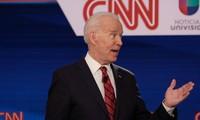 Capres Joe Biden mengeluarkan rencana membuka kembali perekonomian