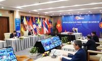ASEAN 2020: Pimpinan berbagai negara dan organisasi internasional menilai tinggi peranan Vietnam dalam mengadakan KTT Khusus ASEAN dan  KTT Khusus ASEAN+3 tentang Covid-19