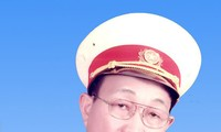 """Ly Viet Hung – Komponis yang sepenuh hati menciptakan lagu tentang """"prajurit"""""""