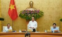 PM Vietnam, Nguyen Xuan Phuc memimpin sidang periodik Pemerintah bulan Mei