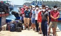 Para nelayan  Vietnam Tengah memprotes semua tindakan keras kepala yang dilaksanakan Tiongkok di Laut Timur