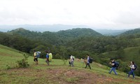 Ta Nang-Phan Dung, jalan di mana para wisatawan bisa menikmati keindahan daerah pegunungan