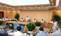 Sidang kerja antara Kementerian Kesehatan Vietnam dan Komite Rakyat Kota Ha Noi untuk membahas langkah-langkah mencegah dan memberantas wabah Covid-19
