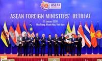 ASEAN mengeluarkan Pernyataan tentang arti pentingnya usaha menjamin perdamaian dan stabilitas di Asia Tenggara