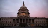 """Pemerintah AS """"melampaui pintu sempit""""  DPR untuk menghindari penutupan"""