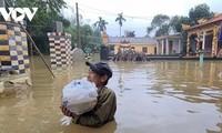 Hujan dan banjir menimbulkan kerugian besar tentang manusia dan harta benda di daerah Vietnam Tengah dan Tay Nguyen