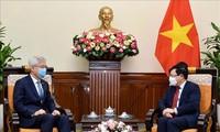 Deputi PM, Menlu Vietnam, Pham Binh Minh menerima Deputi Menlu Republik Korea, Lee Tae-ho