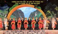 Ruang Budaya, Pariwisata, dan Perdagangan Ha Giang di Tengah Kota Ha Noi