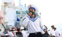 Tentara dan Warga di Pulau Sinh Ton Mengarah ke Kongres Nasional ke-13 PKV