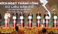 PM Nguyen Xuan Phuc Hadir Acara Peresmian Sistem Dasar Data Nasional Mengenai Penduduk