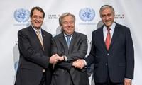 """Pourparlers sur Chypre: le chef de l'ONU salue une """"opportunité historique"""""""
