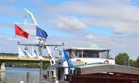Une nouvelle liaison avec le Vietnam inaugurée au port fluvial de Gron (France)