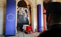 Des milliers de Français rendent un dernier hommage à Jacques Chirac