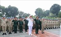 Les casques bleus rendent hommage au Président Hô Chi Minh avant leur départ pour le Soudan du Sud