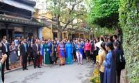 APEC 2017: Un Vietnam original aux yeux des épouses des chefs de delégation