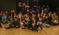 Hanoians attracted to improvisation comedy