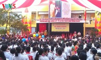 Millions of Vietnamese students ring in new school year