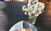 Thai shrimp paste fried rice with flower salad
