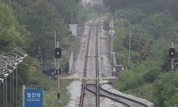 Two Koreas agree to conduct joint inspection of North Korea's eastern road