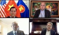 Vietnam attends ASEAN Committee meeting in US