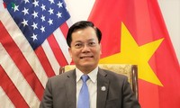 Vietnam endeavors to guarantee students' interests in US