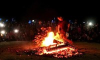 """""""Fire jumping"""" ceremony recognized as a national intangible heritage"""