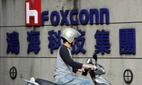 Foxconn makes first batch of display screens at Vietnam plant
