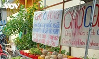 Charity activities assist poor people in Can Tho amid COVID-19 fears