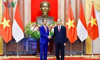 Presiden Vietnam, Tran Dai Quang dan Istri mengadakan resepsi yang khidmat untuk Presiden Republik Indonesia dan Istri