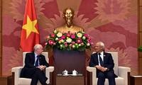 Wakil Ketua MN Vietnam, Uong Chu Luu menerima Kelompok Legislator IPU Parlemen Kerajaan Bersatu Britania Raya dan Irlandia Utara