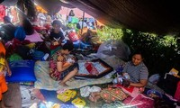 Gempa bumi, tsunami di Indonesia: Ribuan korban dipindahkan ke Sulawesi Selatan