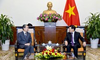 Deputi PM, Menlu Vietnam, Pham Binh Minh menerima Dubes Tiongkok di Vietnam
