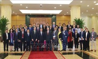 Kepala Departemen Ekonomi KSPKV, Nguyen Van Binh menerima delegasi Dewan Bisnis AS-ASEAN