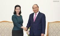 PM Nguyen Xuan Phuc menerima Ketua Kamar Dagang Hong Kong – Viet Nam, Dubes Bulgaria dan Republik Timur Uruguay di Viet Nam