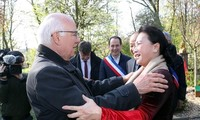 Aktivitas-aktivitas Ketua MN Nguyen Thi Kim Ngan di Perancis