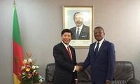 Utusan Khusus PM Pemerintah, Deputi Menlu Nguyen Quoc Cuong melakukan kunjungan kerja di Republik Kamerun