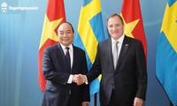 PM Nguyen Xuan Phuc melakukan pembicaraan dengan PM Swedia
