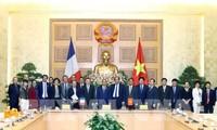 PM Vietnam, Nguyen Xuan Phuc: Vietnam menetapkan masalah membangun E-government merupakan strategi yang penting untuk kebutuhan rakyat
