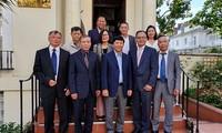 Deputi Menlu Vietnam, Nguyen Quoc Cuong melakukan kunjungan kerja di Kerajaan Inggris