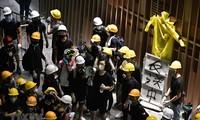 Kalangan otoritas Hong Kong (Tiongkok) mengutuk tindakan sabotase dan demonstrasi kekerasan