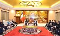 Kota Hanoi memperkuat kerjasama dengan Perancis di bidang perkembangan perhubungan dan perkotaan