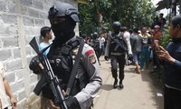 Polisi Indonesia mengganyang intrik pemboman pada Hari Nasional