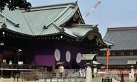 PM Jepang mengirim barang sajian ke kuil Yasukuni
