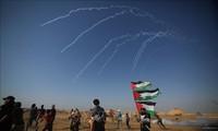 Baku tembak di Jalur Gaza, puluhan orang Palestina menderita luka-luka