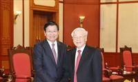 Sekjen, Presiden Nguyen Phu Trong menerima PM Laos, Thongloun Sisoulith